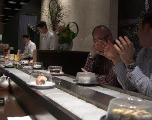 sushi-manger-pas-cher-au-japon-maxitrips-blog-voyage